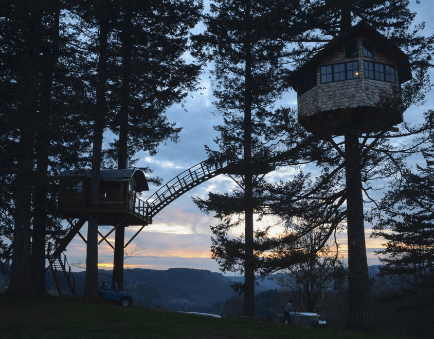 Treehouse outside