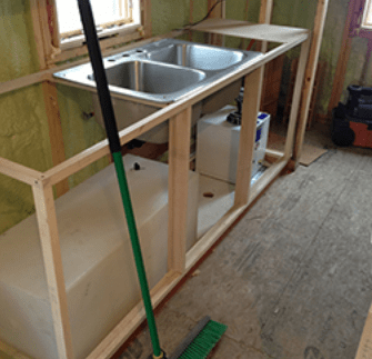 Tiny house plumbing water tank
