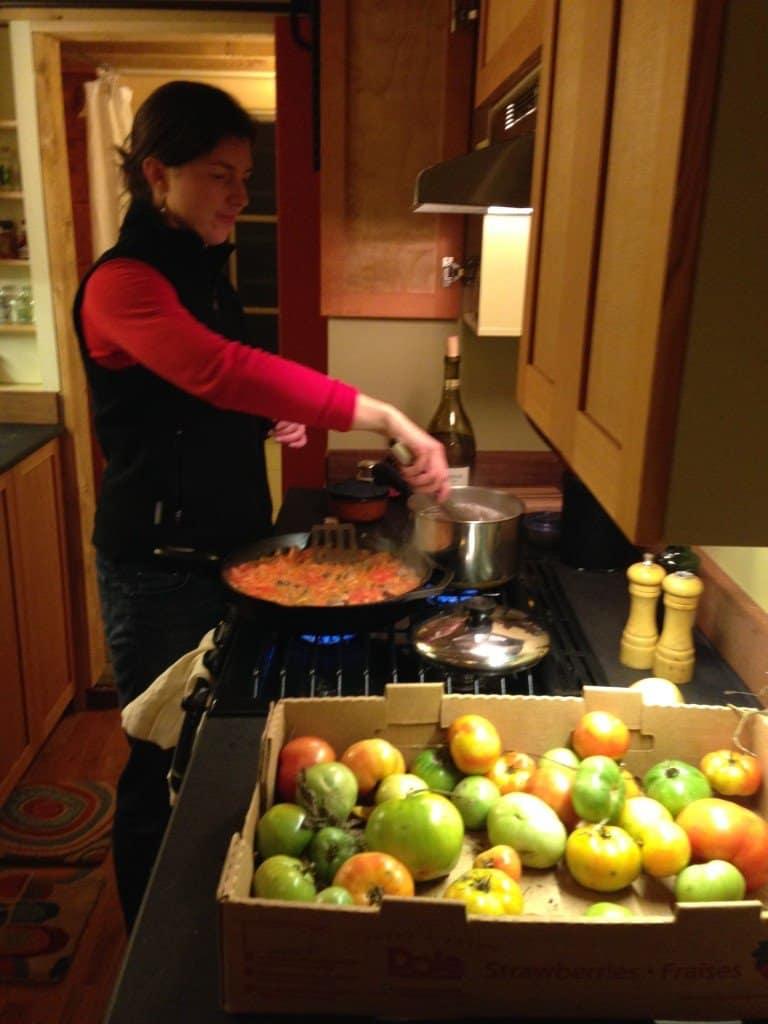 tomato-sauce-tiny-house